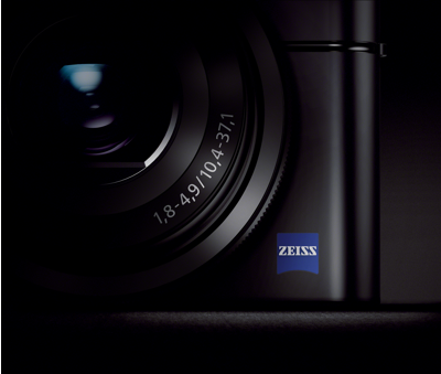 ZEISS<sup>®</sup> T* F1.8 3.6x optical zoom