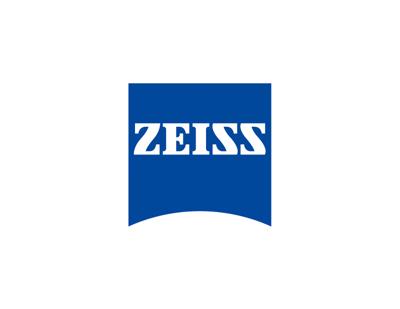 Wide-angle 120° Carl Zeiss<sup>®</sup> Vario-Tessar<sup>®</sup> lens