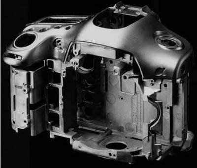 World's lightest Full-frame Sensor Camera<sup>10</sup>