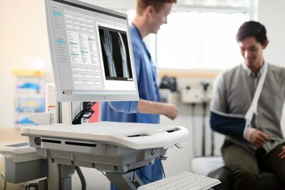 HP Healthcare Edition HC241 Clinical Review Monitor