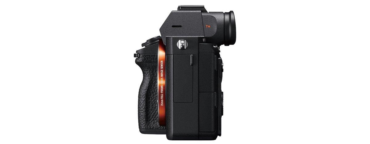 Sony A7r Iii 42.4mp Full-frame Mirrorless Interchangeable-lens ...