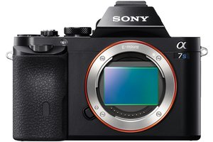 α7 E-mount Camera with Full-Frame Sensor